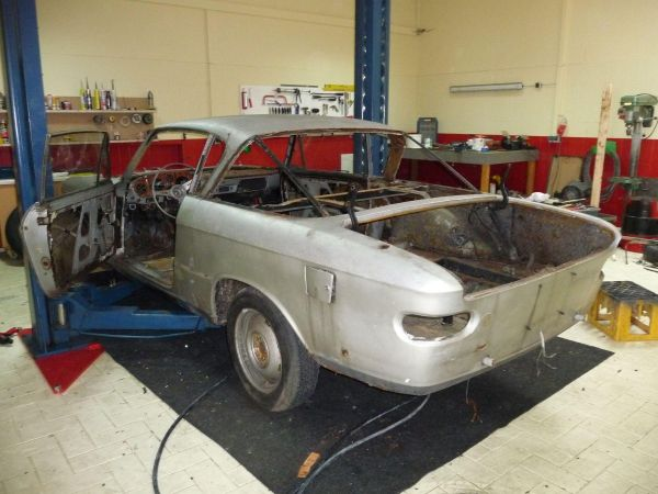fiat2300s-coupe-serie2-001309DBFC6D-7340-7485-35F3-A6AE8DF87049.jpg