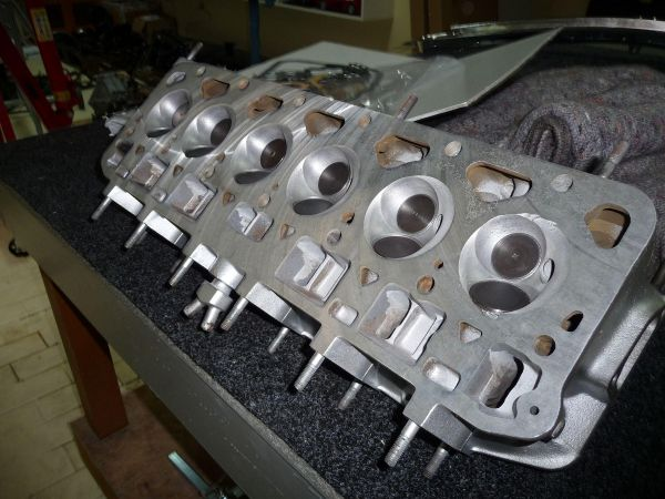 fiat2300s-coupe-serie2-00693D9A67E9-EF8C-6CFA-713B-6482E30A9C68.jpg