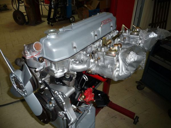 fiat2300s-coupe-serie2-0071F4E98018-3539-6624-32E2-F0E61B60E453.jpg