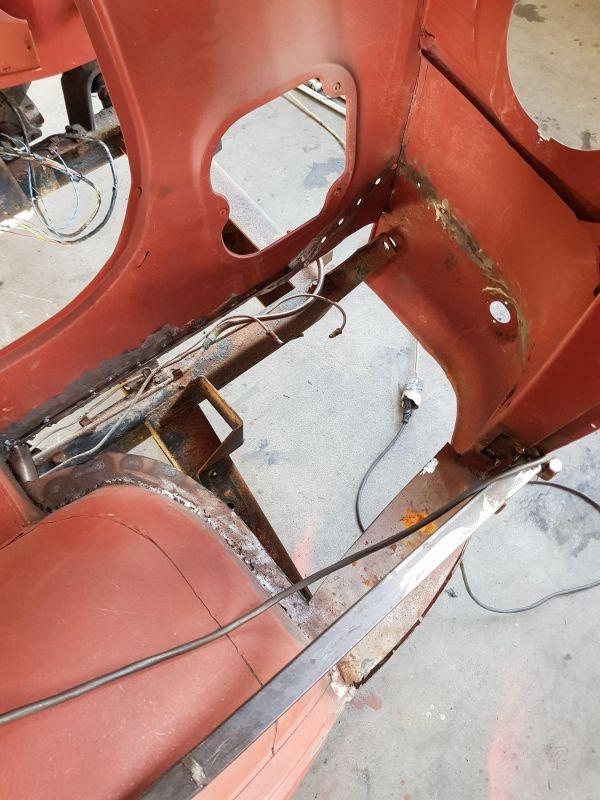 alfa-romeo-f12-fahrzeugkabine-025761F1FD-A65F-1FA1-AF31-5D4FFAA575EB.jpg